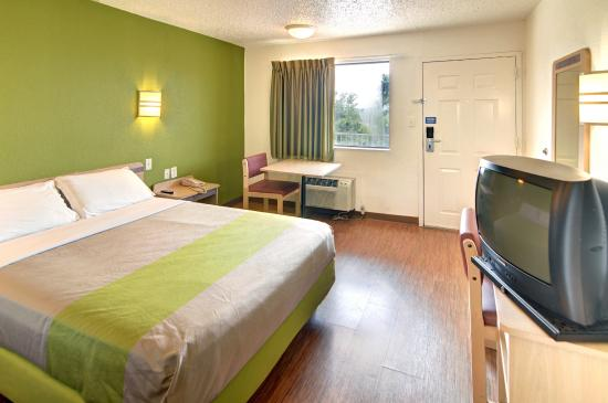 Motel 6 Ft. Worth East: Guest Room