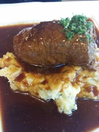 Metzlers Restaurant: Rinderroulade - Stampfkartoffeln