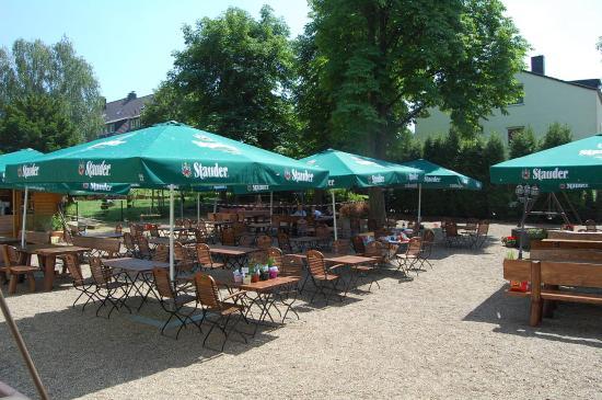 NEFELI Restaurant - Biergarten