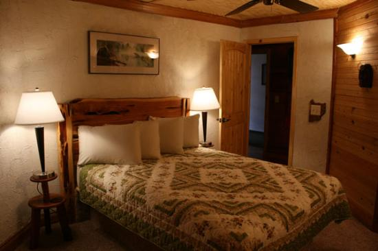 Inn at the Art Center: 2nd bedroom Ponderosa room