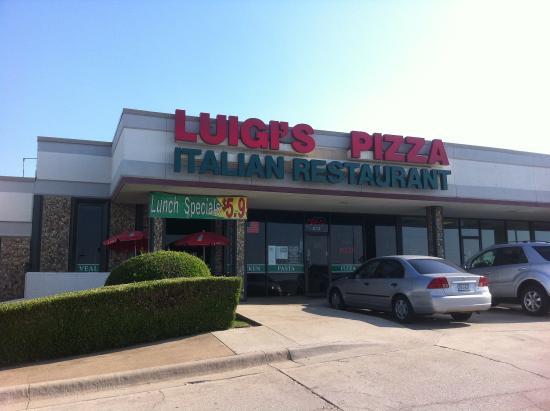 luigis pizza italian restaurant denton restaurant reviews phone number photos tripadvisor. Black Bedroom Furniture Sets. Home Design Ideas