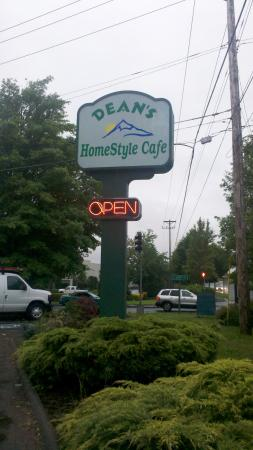‪Dean's Homestyle Cafe‬
