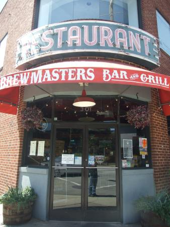 Brewmasters Bar and Grill