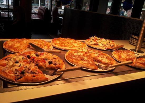 kongebakkens pizza brøndby thai massage