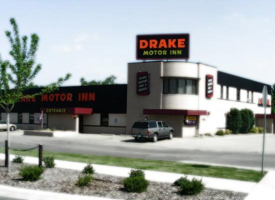 Fun Place Review Of The Drake Motor Inn Restaurant Watertown Sd Tripadvisor
