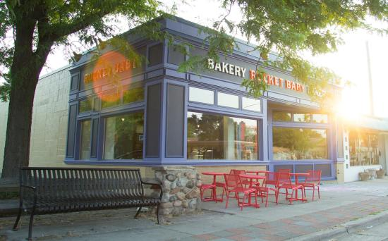 The 10 Best Restaurants With Outdoor Seating In Wauwatosa