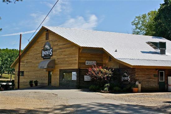 Lindsey's Rainbow Resort & Pot O' Gold Restaurant