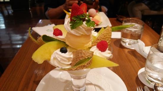 Sembikiya Sohonten Fruits Parlour Seibu Ikebukuro : メロンのパフェ