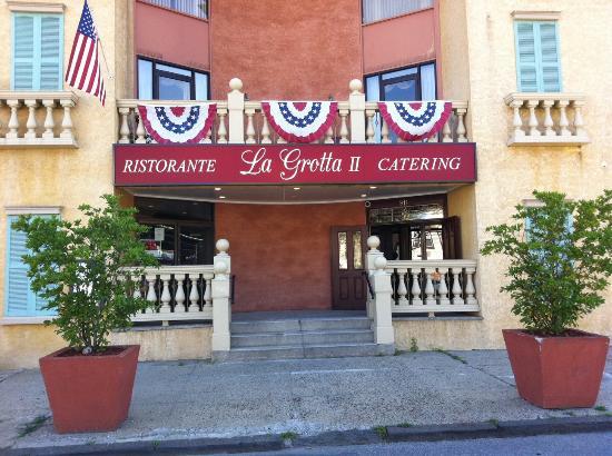 La Grotta 2 Restaurant Catering Yonkers Restaurant