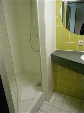 B&B Hotel Muenchen-Messe: Bath