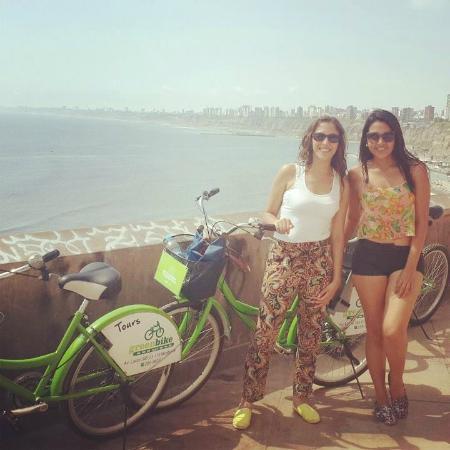 Green Bike Peru -  Day Tours: Paseo por el Malecón de Barranco, hermoso!!