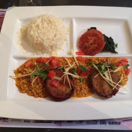 Paprika : Plat du jour végétarien avec buffet de crudités en entrée ��