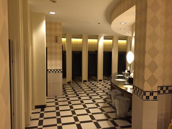 Banheiro Feminino do Hall de Entrada  Show!  Foto de Hard Rock Hotel at Uni -> Banheiro Feminino Site