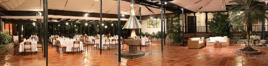 Garden Hotel San Jose : MAIN PATIO