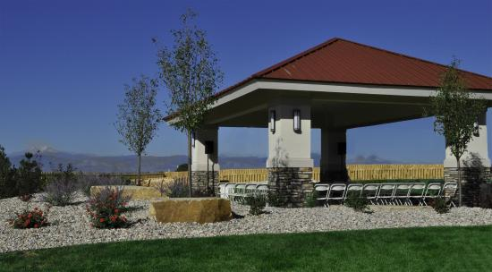 Best Western Plus Crossroads Inn & Conference Center: Wedding Pavilion with Mountain Views
