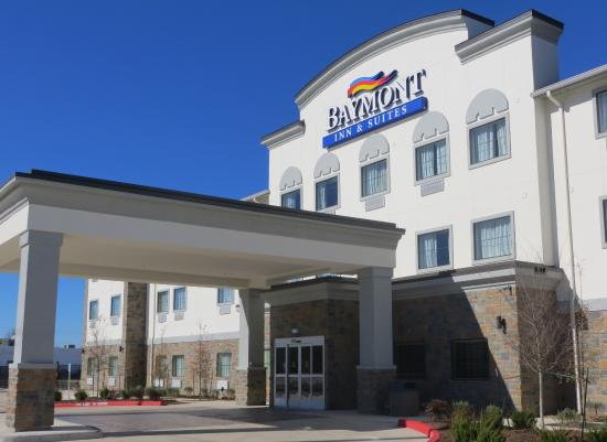 Baymont Inn & Suites College Station