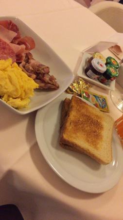 Noventa Hotel: Breakfast
