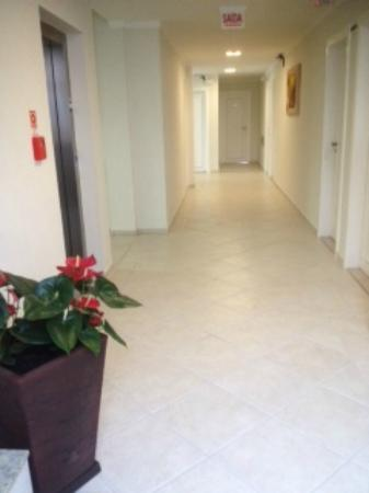 Das Nacoes Hotel: pasillo de las habitaciones