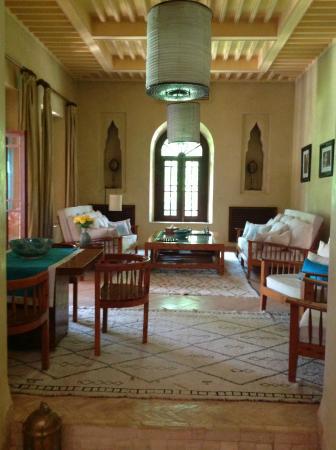Dar Zemora: Cool interior