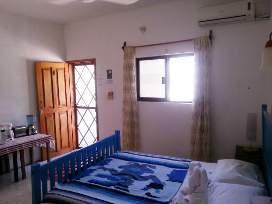 Hotel Maria del Pilar: room upstairs
