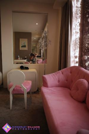 Grand Metropark Yuantong Hotel: Ladies will love the dressing table