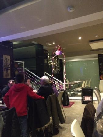 The Flora - Asian Fusion Restaurant: Lovely atmosphere large dining area