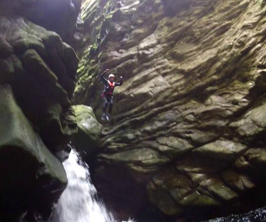 Paradise Adventures: Canyoning