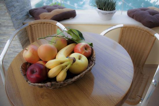 Azalea Apartments: Γευστική υποδοχή