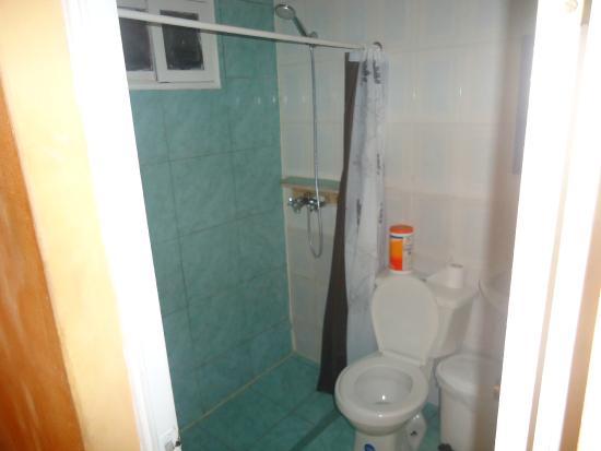 Hostal Michel : El baño es privado.