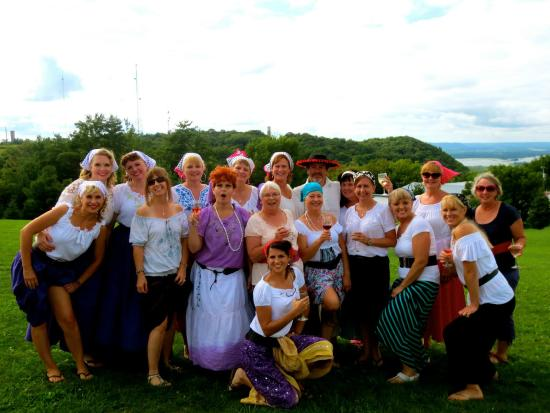 Danzinger Vineyards: 2014 Lucy Look-A-Likes at Grape Stomp