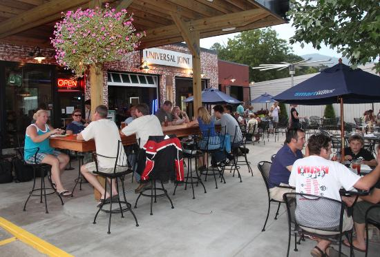 Universal Joint: nice patio dining
