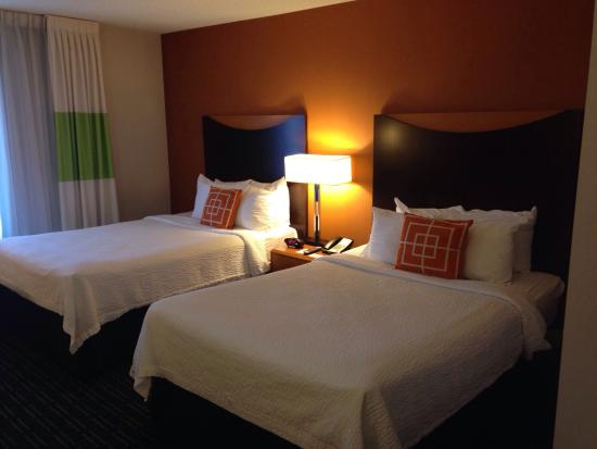 Fairfield Inn & Suites Tampa Fairgrounds/Casino: Beds in a double room