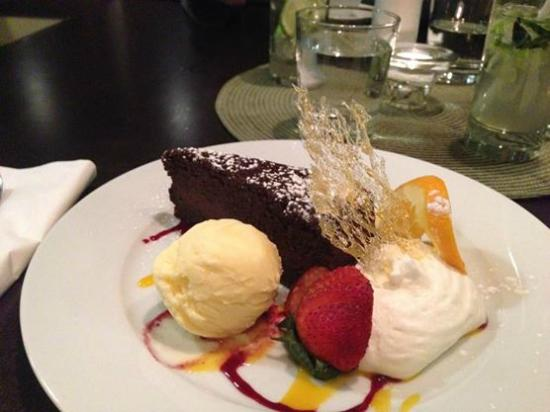 Wild Orchid Bistro & Sushi Lounge: Chocolate Cake
