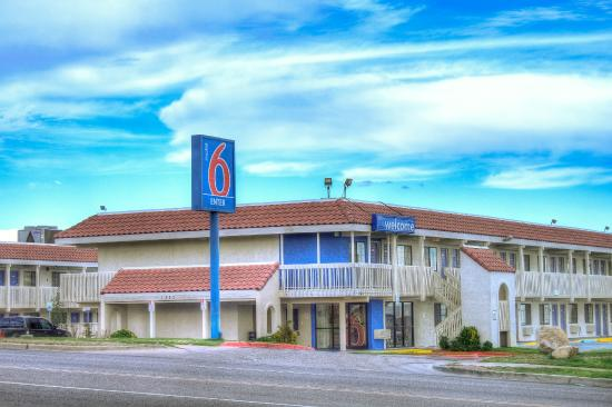 Great the lomaland drive location review of motel 6 el for The garden pool el paso