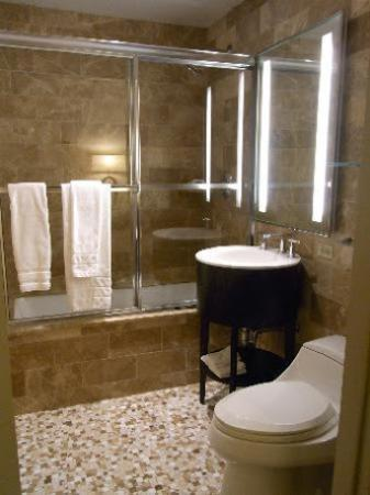 AKA Central Park: Banheiro