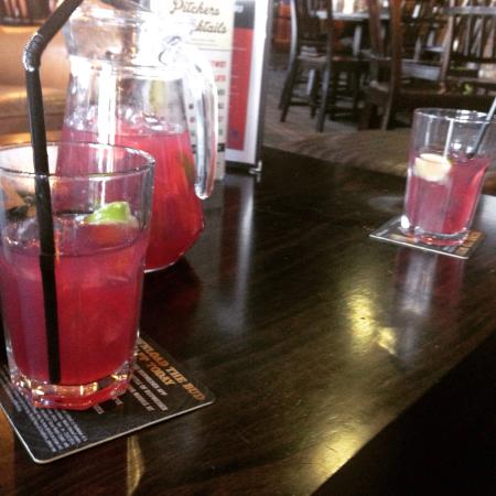Village Hotel Coventry: Pitcher of Cosmopolitan cocktail in the Victory Bar