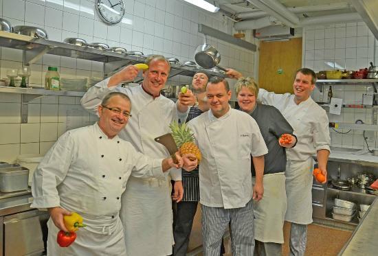 Hotel Eiger: Kitchen crew
