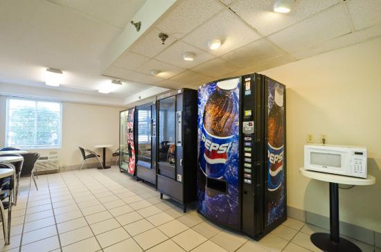 Motel 6 Washington DC SW-Springfield: Vending