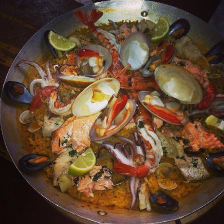 Al muerzo napoli ristorante recensioni numero di - Paella de pescado ...