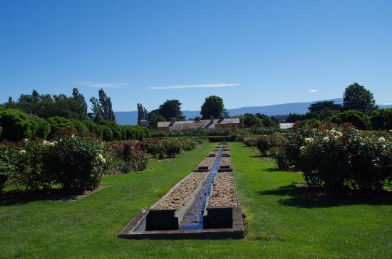 National Rose Garden: Gardens