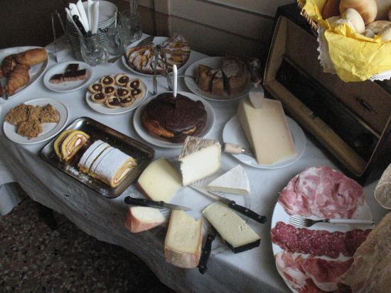 Hotel Giulia Gonzaga: colazione zona salati