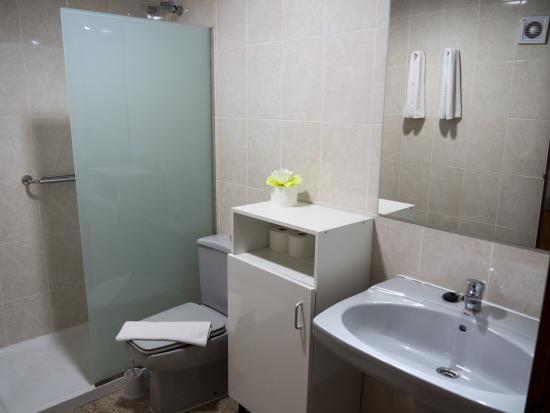 Apartamentos Tarahal : Bathroom