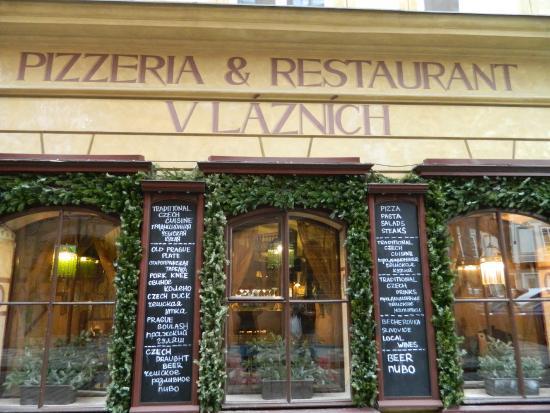 L 39 esterno del ristorante v laznich prag resmi tripadvisor for L esterno del ristorante sinonimo