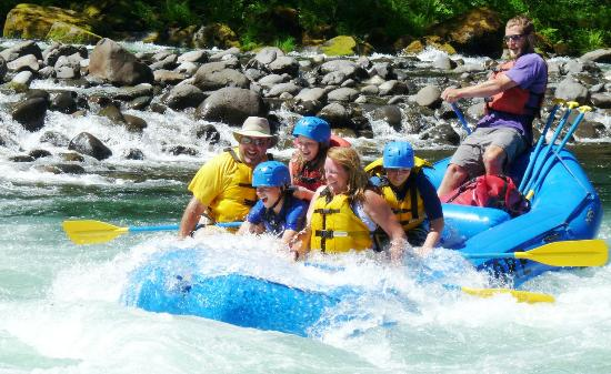 Beavercreek, OR: Whitewater rafting on the Clackamas River near Portland