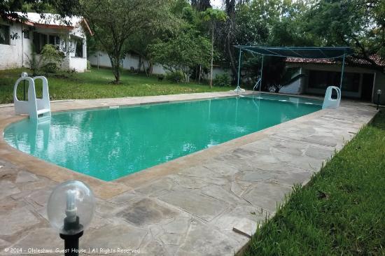 Oleleshwa guest house bewertungen fotos preisvergleich for Preisvergleich swimmingpool