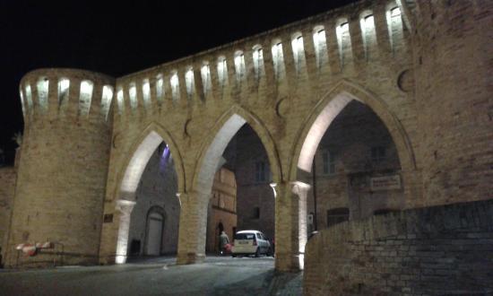Re Squarchio: Porta 3 archi