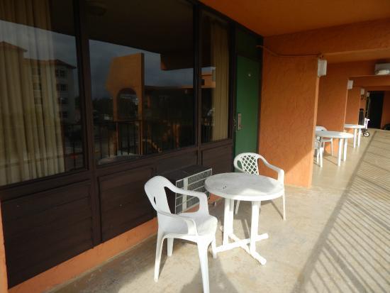 Lafayette Motel: PASILLO