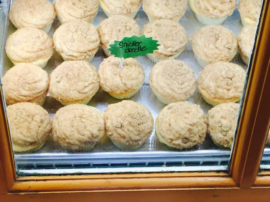 The Cupcake Collection : SnickerDoodle Cupcakes