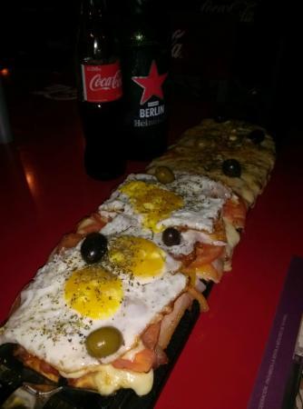 Ti Voglio Tanto: Pizza 1/2 Bacon 1/2 Roquefort