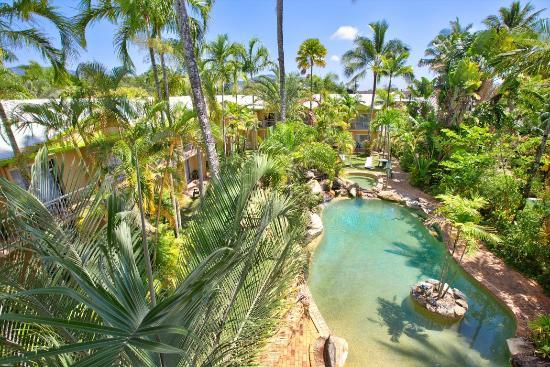 كيرنز رينبو ريزورت: Cairns Rainbow Resort Pool Area